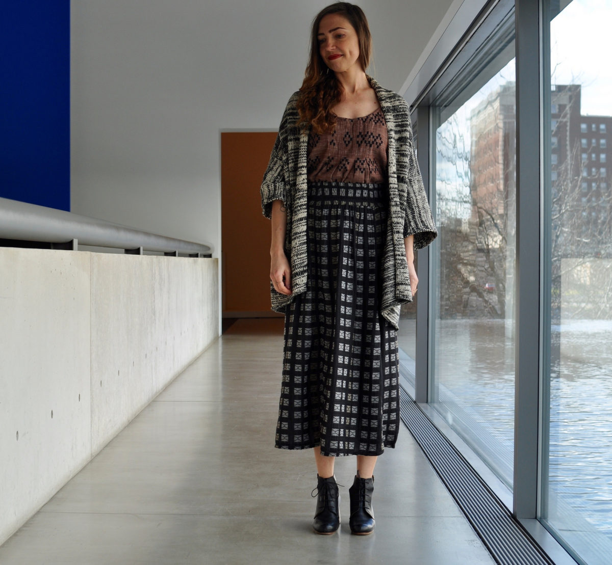 Dress That Mama: Pattern Mixing, Clay & Black